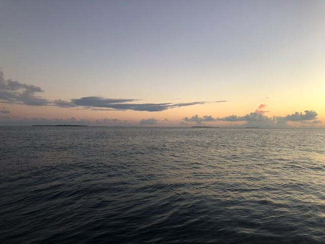 モルディブの空と海