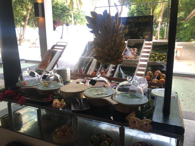 フォーシーズンズリゾートモルディブ アット ランダーギラーヴァル レストラン CAFE LANDAA(カフェ ランダ)の店内