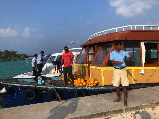 モルディブのカマドゥ島の移動方法