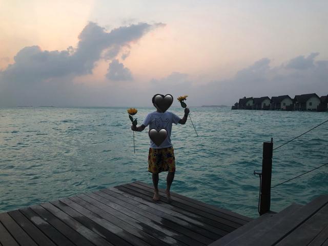 モルディブで踊る旦那