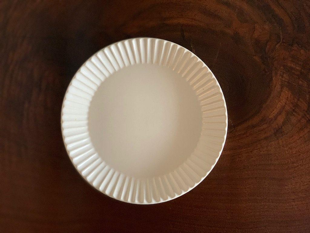 ストライプ縁のお皿